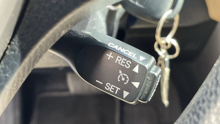 Toyota Rav4-CRUISE CONTROL