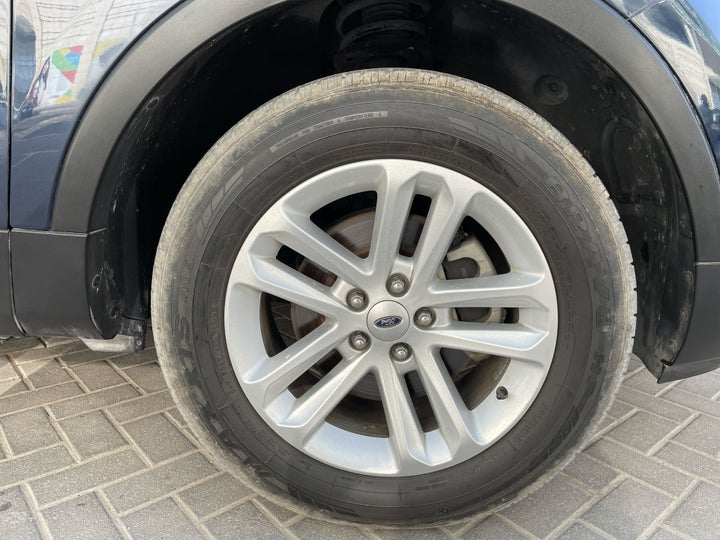 Ford Explorer-RIGHT FRONT WHEEL