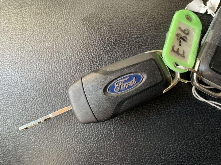 Ford Explorer-KEY CLOSE-UP