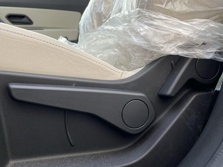 Renault Duster-DRIVER SIDE ADJUSTMENT PANEL