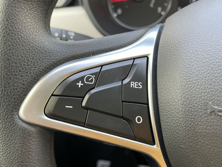 Renault Duster-CRUISE CONTROL