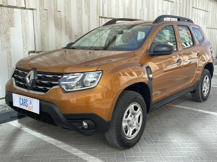Renault Duster-LEFT FRONT DIAGONAL (45-DEGREE) VIEW