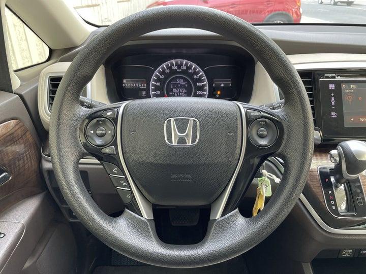 Honda Odyssey-STEERING WHEEL CLOSE-UP