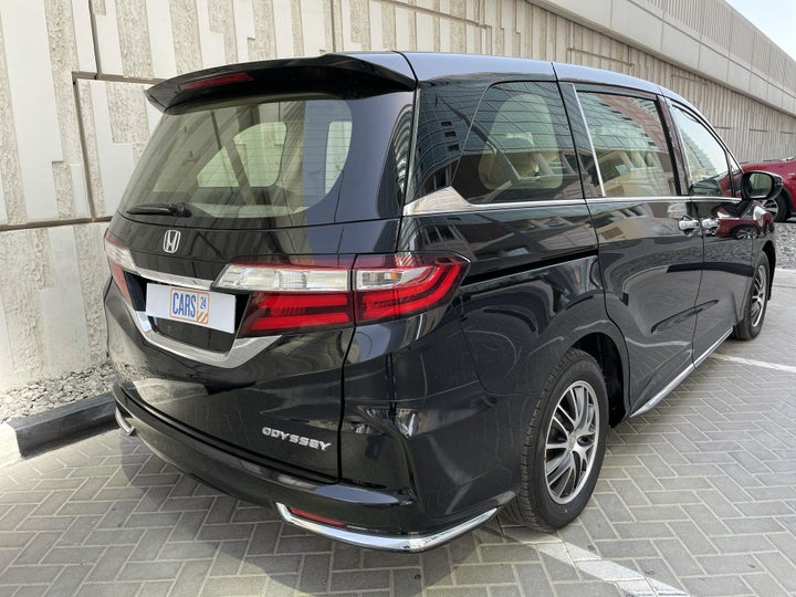 Honda Odyssey-RIGHT BACK DIAGONAL (45-DEGREE VIEW)