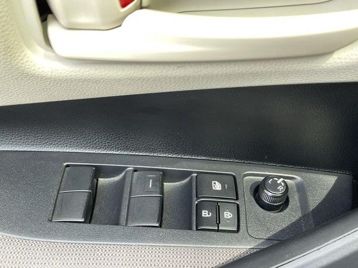 Toyota Corolla-DRIVER SIDE DOOR PANEL CONTROLS