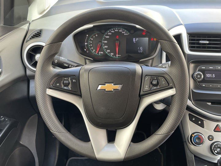 Chevrolet Aveo-STEERING WHEEL CLOSE-UP