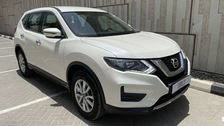 Nissan X-Trail-RIGHT FRONT DIAGONAL (45-DEGREE) VIEW