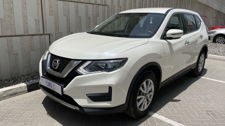 Nissan X-Trail-LEFT FRONT DIAGONAL (45-DEGREE) VIEW