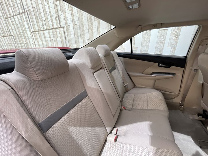 Toyota Aurion-RIGHT SIDE REAR DOOR CABIN VIEW