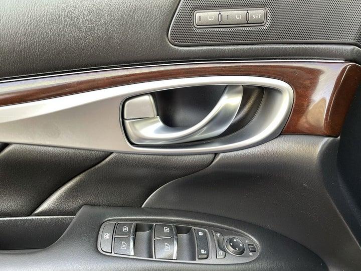 Infiniti Q70-DRIVER SIDE DOOR PANEL CONTROLS