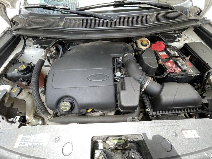 Ford Explorer-OPEN BONNET (ENGINE) VIEW