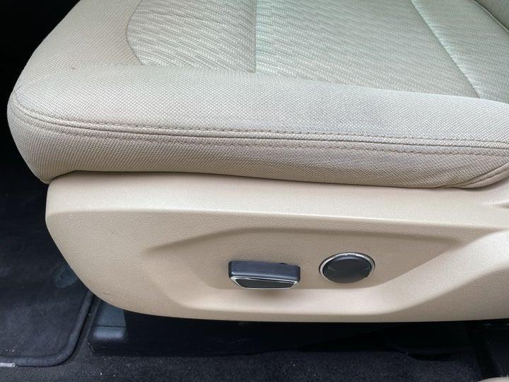 Ford Explorer-DRIVER SIDE ADJUSTMENT PANEL