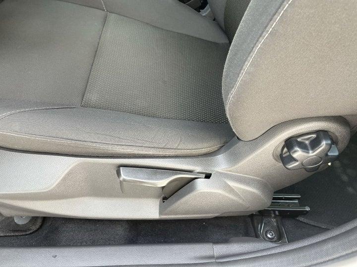 Ford Focus-DRIVER SIDE ADJUSTMENT PANEL