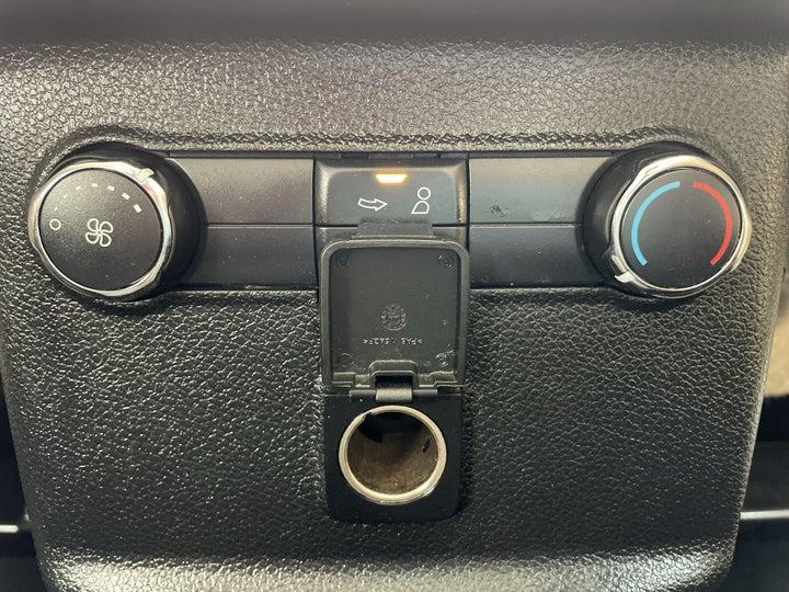 Ford Explorer-REAR AC TEMPERATURE CONTROL