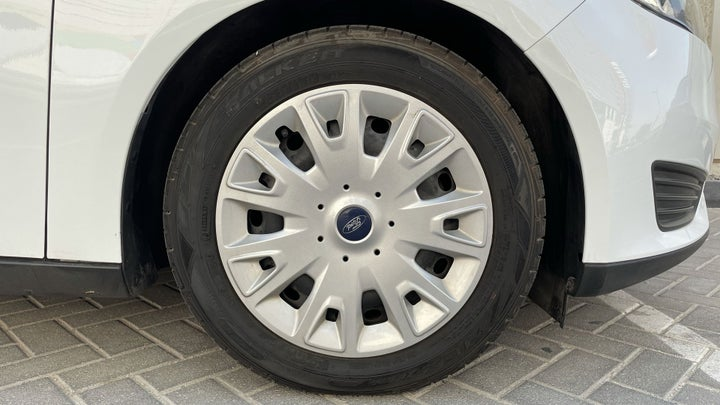 Ford Focus-RIGHT FRONT WHEEL