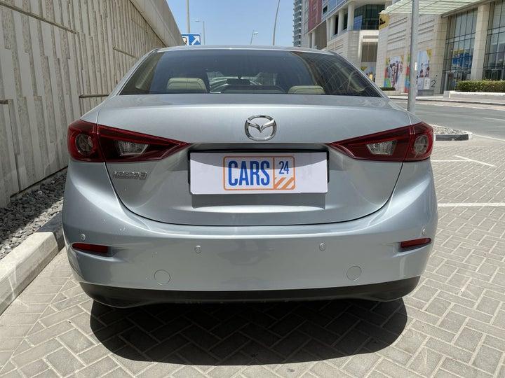 Mazda 3-BACK / REAR VIEW