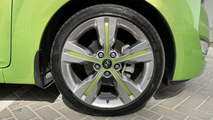 Hyundai Veloster-RIGHT FRONT WHEEL