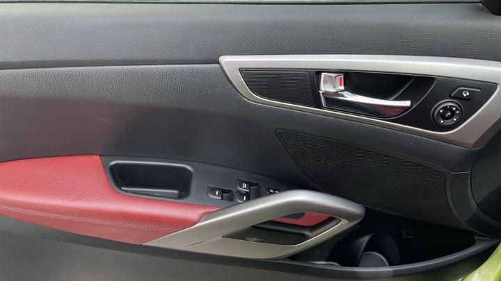 Hyundai Veloster-DRIVER SIDE DOOR PANEL CONTROLS