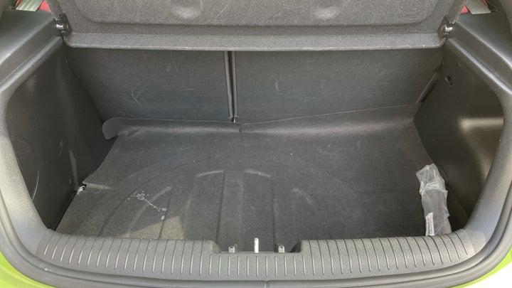 Hyundai Veloster-BOOT INSIDE VIEW