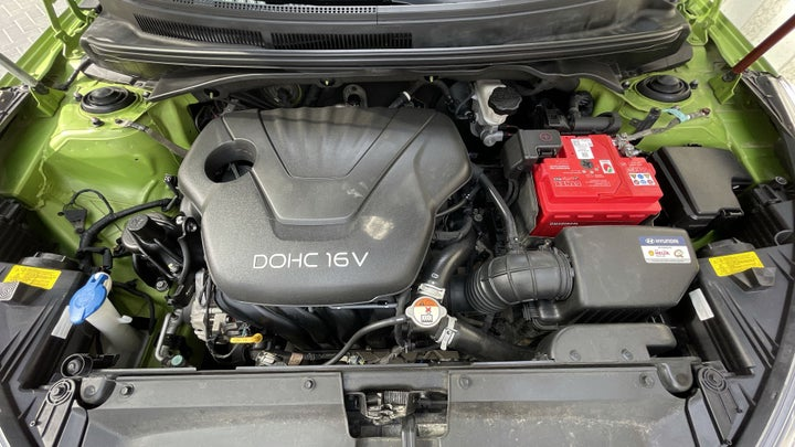 Hyundai Veloster-OPEN BONNET (ENGINE) VIEW