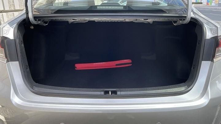 Toyota Corolla-BOOT INSIDE VIEW