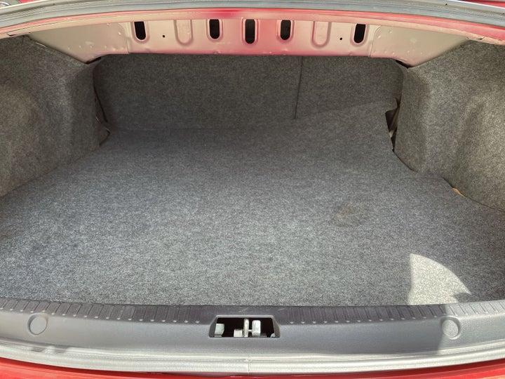 Mitsubishi Lancer-BOOT INSIDE VIEW