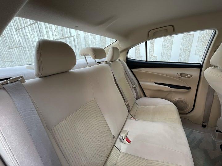 Toyota Yaris-RIGHT SIDE REAR DOOR CABIN VIEW