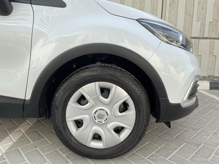 Renault Captur-RIGHT FRONT WHEEL