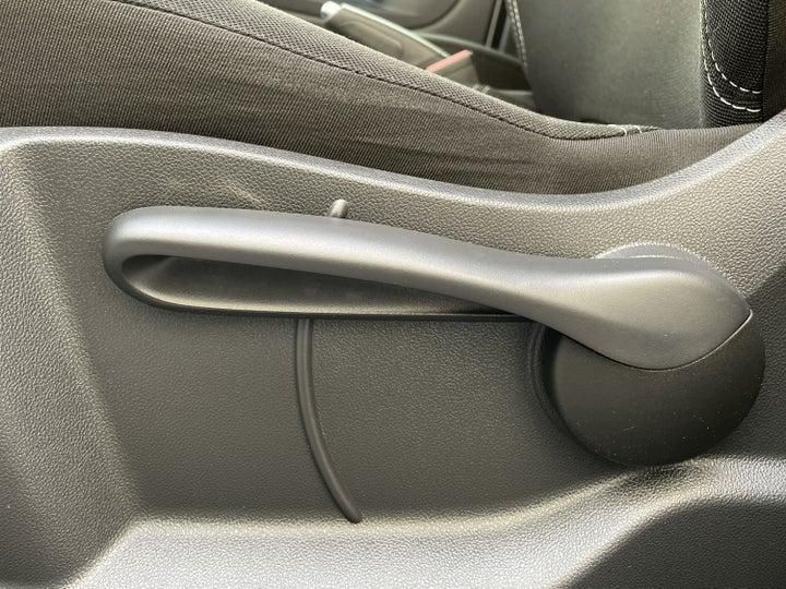 Renault Captur-DRIVER SIDE ADJUSTMENT PANEL