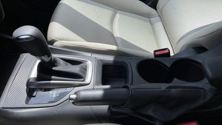 Mazda 3-GEAR LEVER