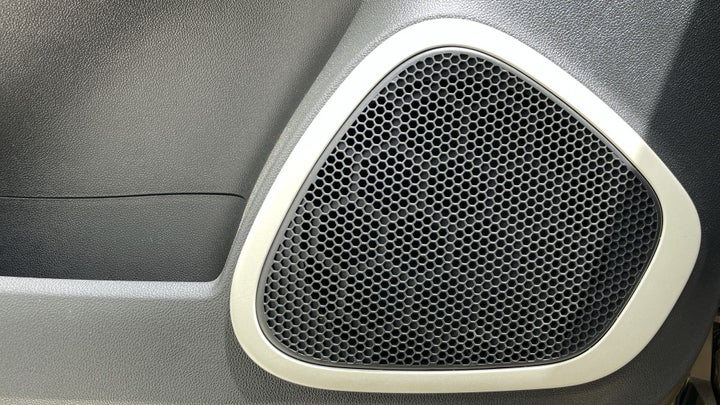Renault Captur-SPEAKERS