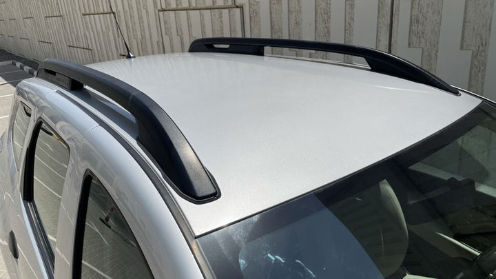 Renault Duster-ROOF/SUNROOF