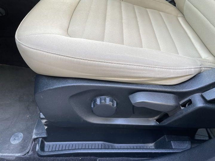 Ford Edge-DRIVER SIDE ADJUSTMENT PANEL