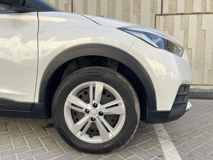 Nissan Kicks-RIGHT FRONT WHEEL