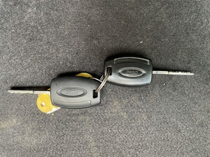 Ford Figo-KEY CLOSE-UP