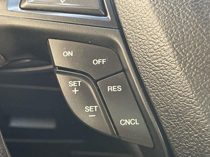 Ford Edge-CRUISE CONTROL