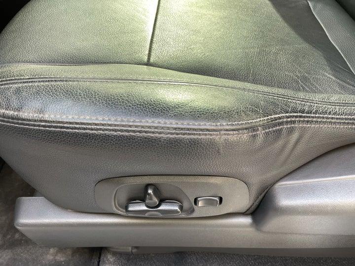 Mitsubishi Pajero-DRIVER SIDE ADJUSTMENT PANEL