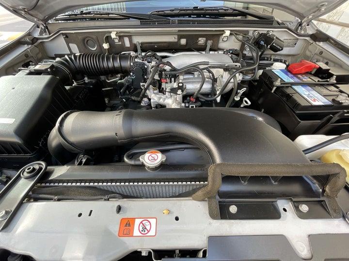 Mitsubishi Pajero-OPEN BONNET (ENGINE) VIEW