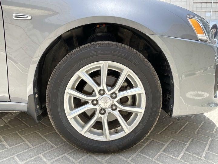 Mitsubishi Lancer-RIGHT FRONT WHEEL