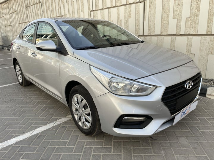 Hyundai Accent-RIGHT FRONT DIAGONAL (45-DEGREE) VIEW