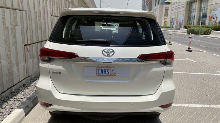Toyota Fortuner-BACK / REAR VIEW