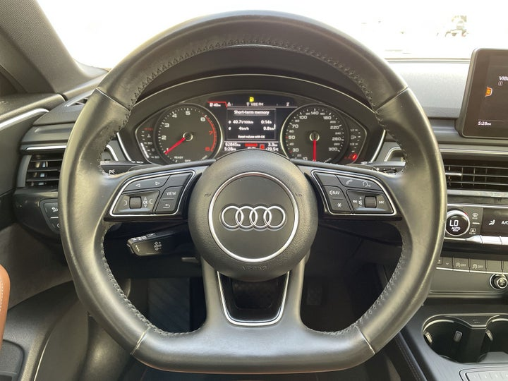 Audi A5-STEERING WHEEL CLOSE-UP