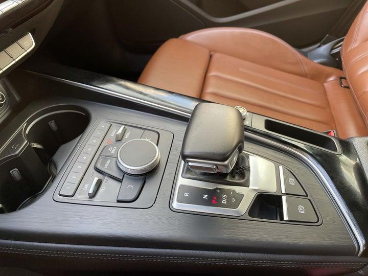 Audi A5-GEAR LEVER