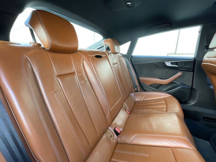 Audi A5-RIGHT SIDE REAR DOOR CABIN VIEW