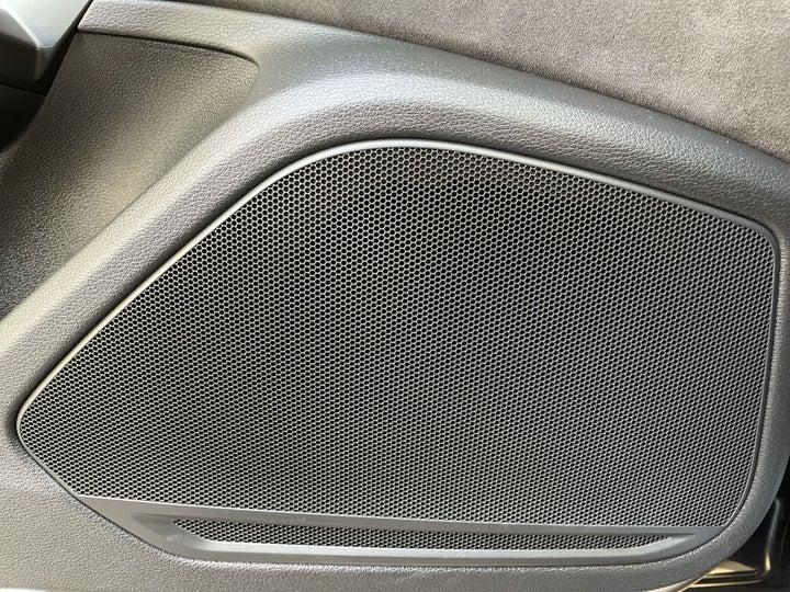 Audi A5-SPEAKERS