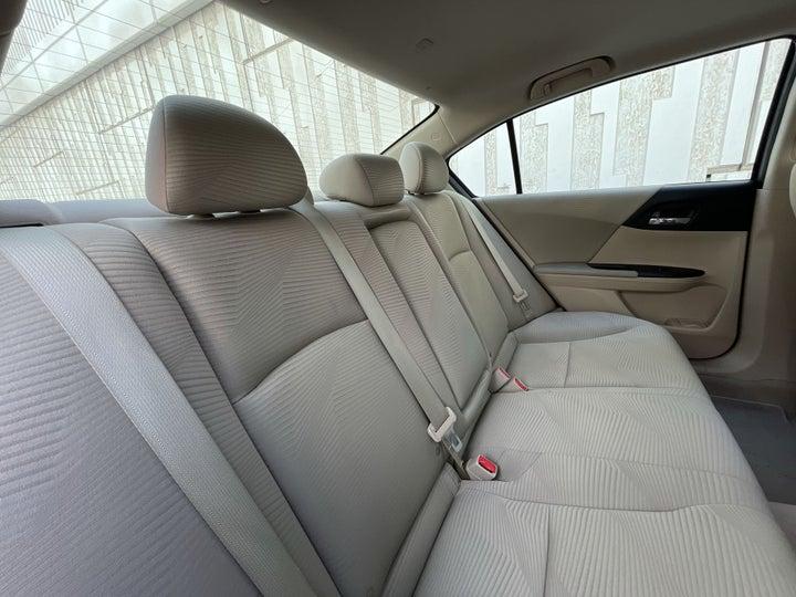 Honda Accord-RIGHT SIDE REAR DOOR CABIN VIEW