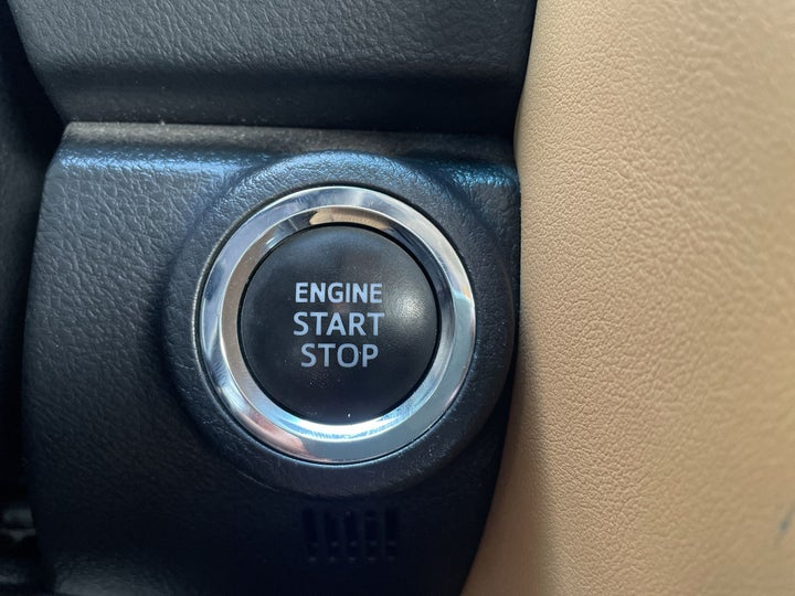 Toyota Fortuner-KEYLESS / BUTTON START