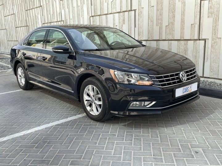 Volkswagen Passat-RIGHT FRONT DIAGONAL (45-DEGREE) VIEW