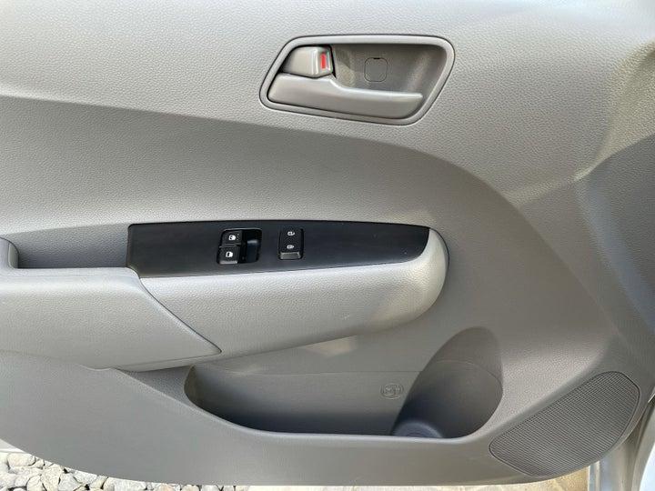 Kia Picanto-DRIVER SIDE DOOR PANEL CONTROLS