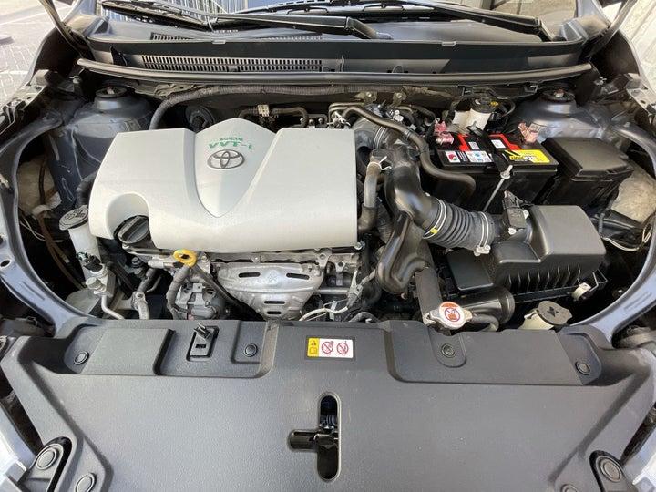 Toyota Yaris-OPEN BONNET (ENGINE) VIEW